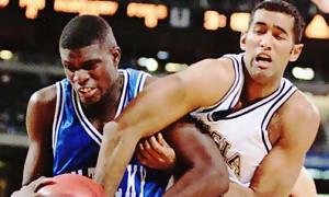 Pablo Machado con Georgia Tech en lucha con Nazr Mohammed (ahora en los Pistons) hace 10 años. Si logra desvincularse de Torrevieja fichará por el COB