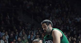 Rakocevic se escapa de Sonseca (Foto: JM Benito)