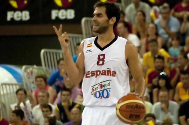 Calderon indicando jugada (Foto: Antonio Magán)