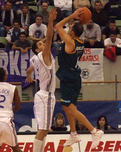 Robles rectifica el lanzamiento (Foto: Fran Martínez)