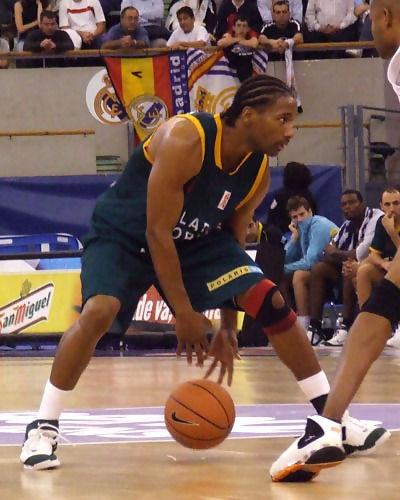Terrell Myers driblando (Foto: Fran Martínez)