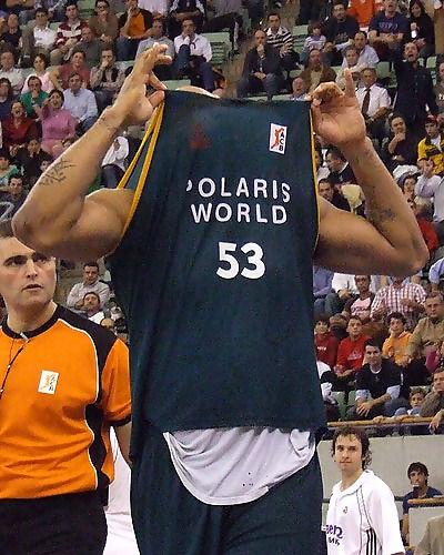Fizer enseña su camiseta (Foto: Fran Martínez)