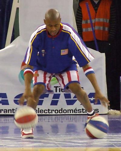 Christensen botando dos balones (foto: FM)