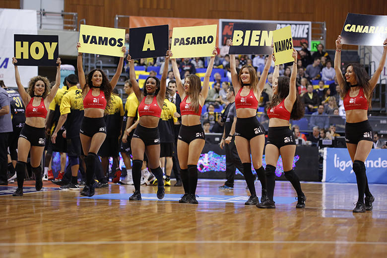 Cheerleaders (Foto: Carlos González)