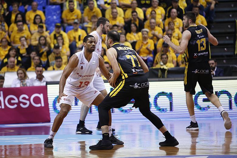 Konstantinos Vasileiadis - Gary Neal (Foto: Carlos González)