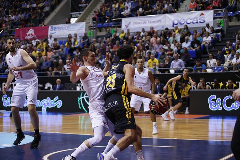 Javier Beirán Amigo - Janis Blums (Foto: Carlos González)