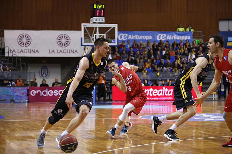 Mateusz Ponitka - Alejandro Llorca Castillo (Foto: Carlos González)