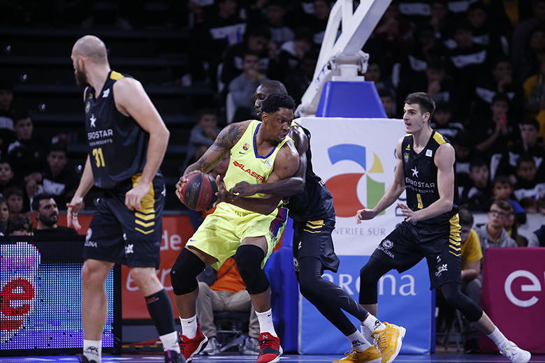 Kevin Seraphin - Mamadou Niang (Foto: Carlos González)