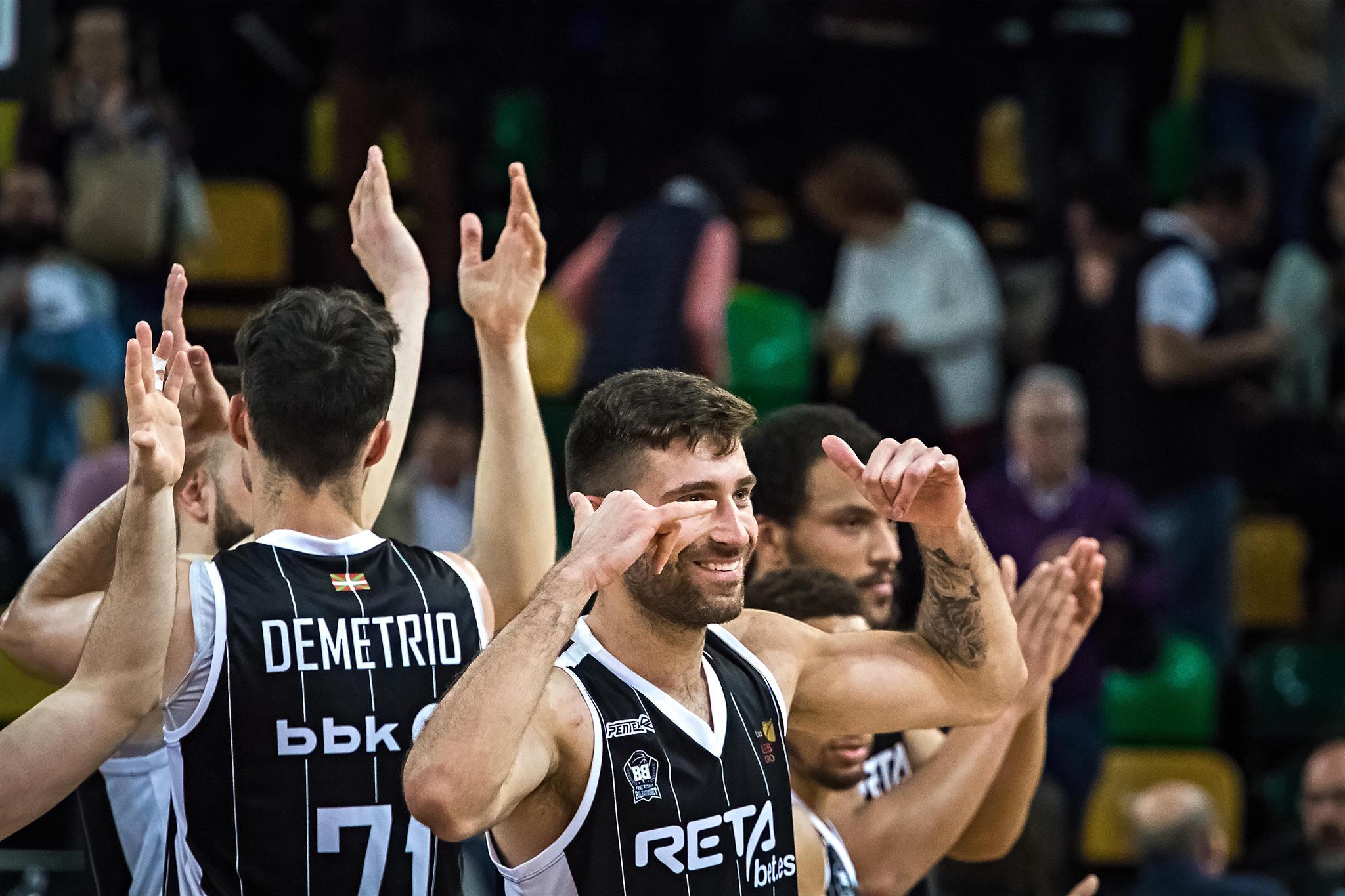 El Bilbao Basket celebra la victoria   |  Foto: Luis Fernando Boo.