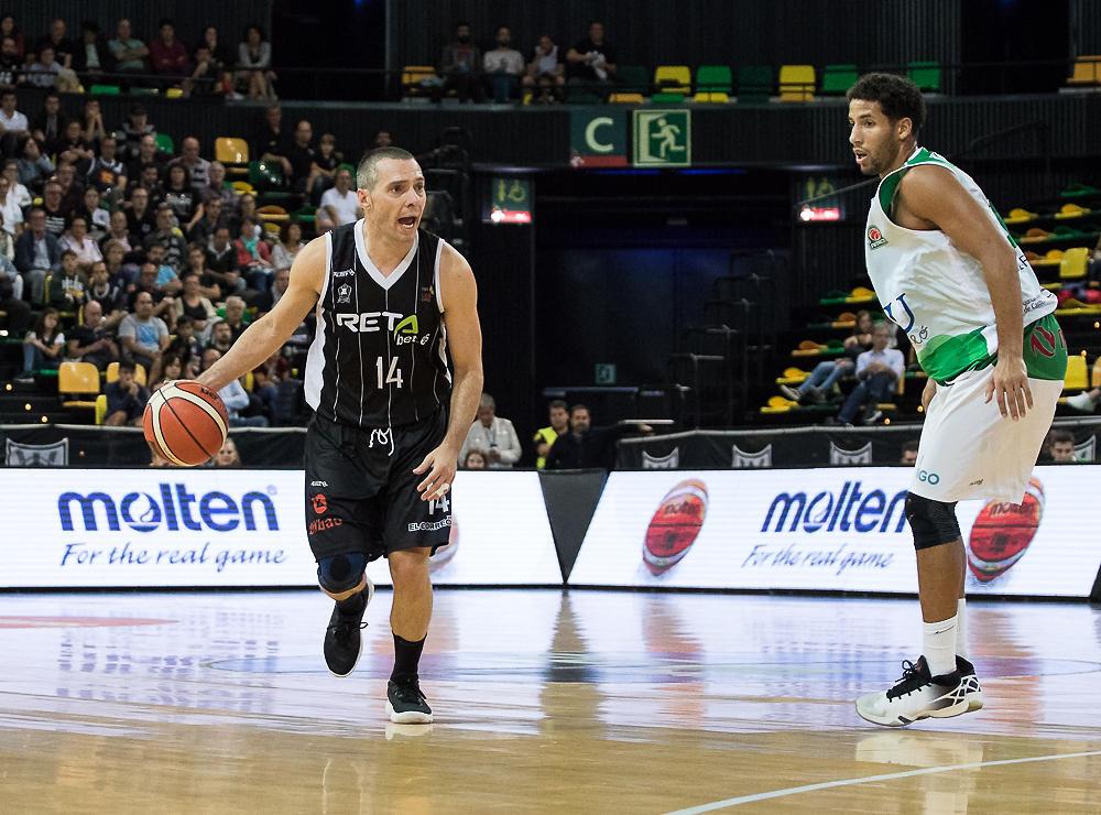 Salgado dirige el juego (Foto: Luis Fernando Boo).