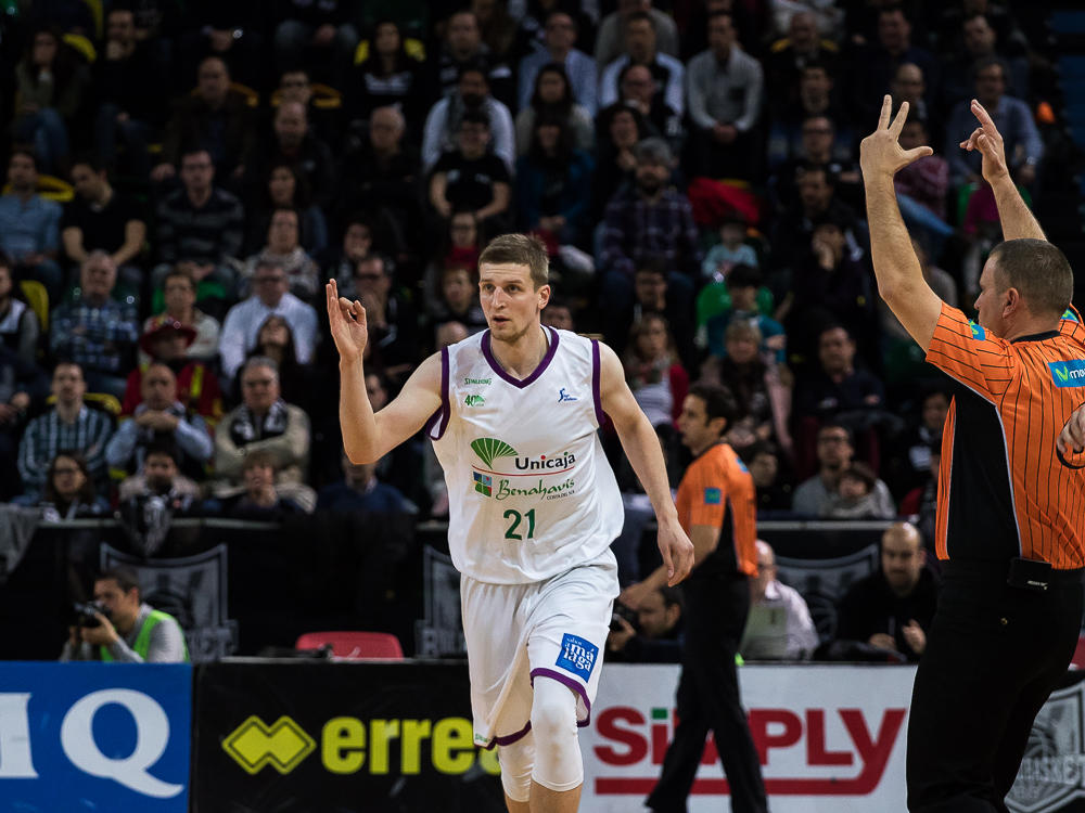 Waczynski celebra un triple (Foto: Luis Fernando Boo).