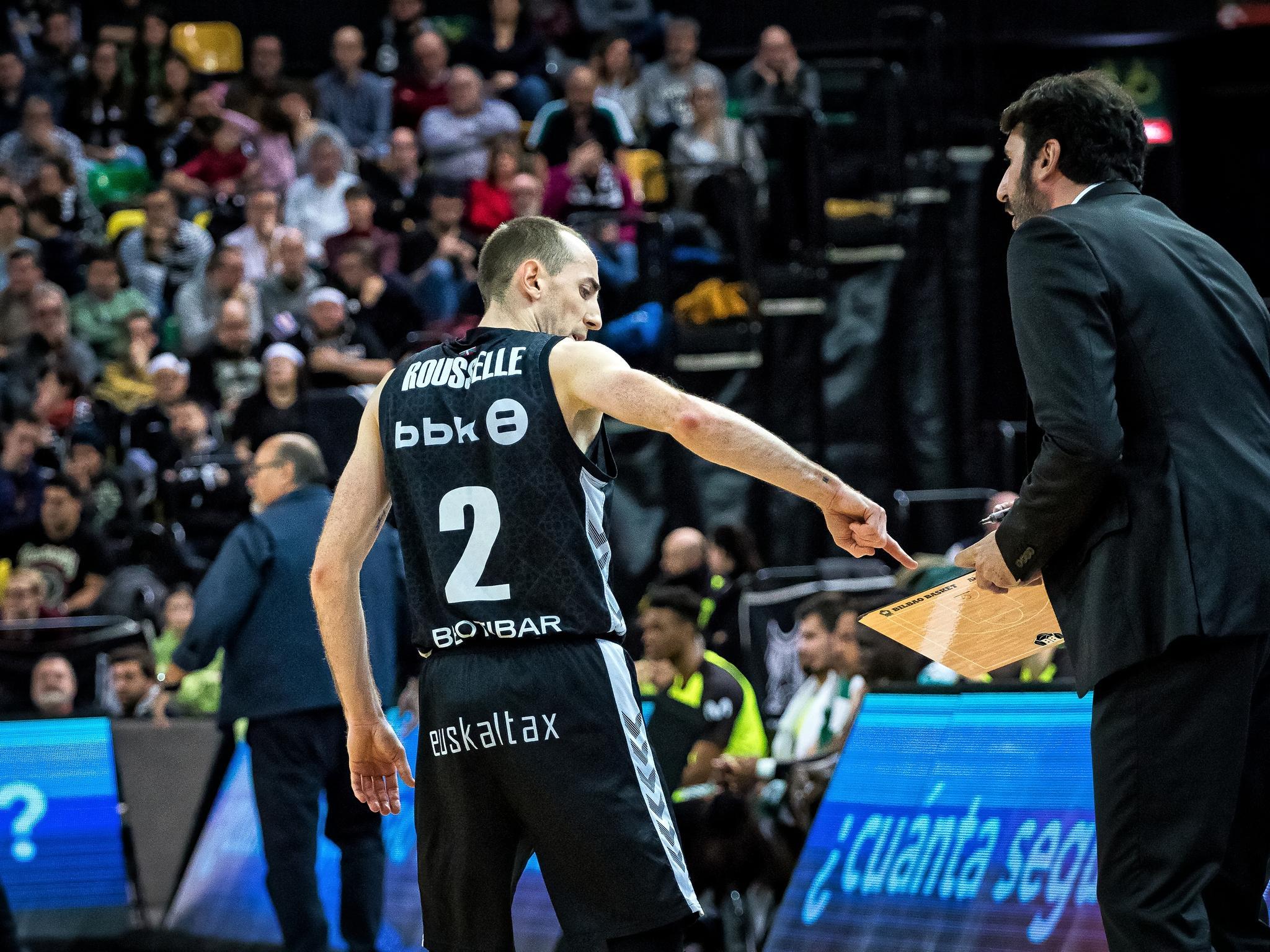 Rousselle y Mumbrú planean una jugada (Foto: Luis Fernando Boo).