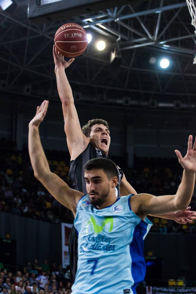 Fernández entorpece el intento de mate de Todorovic (Foto: Luis Fernando Boo).