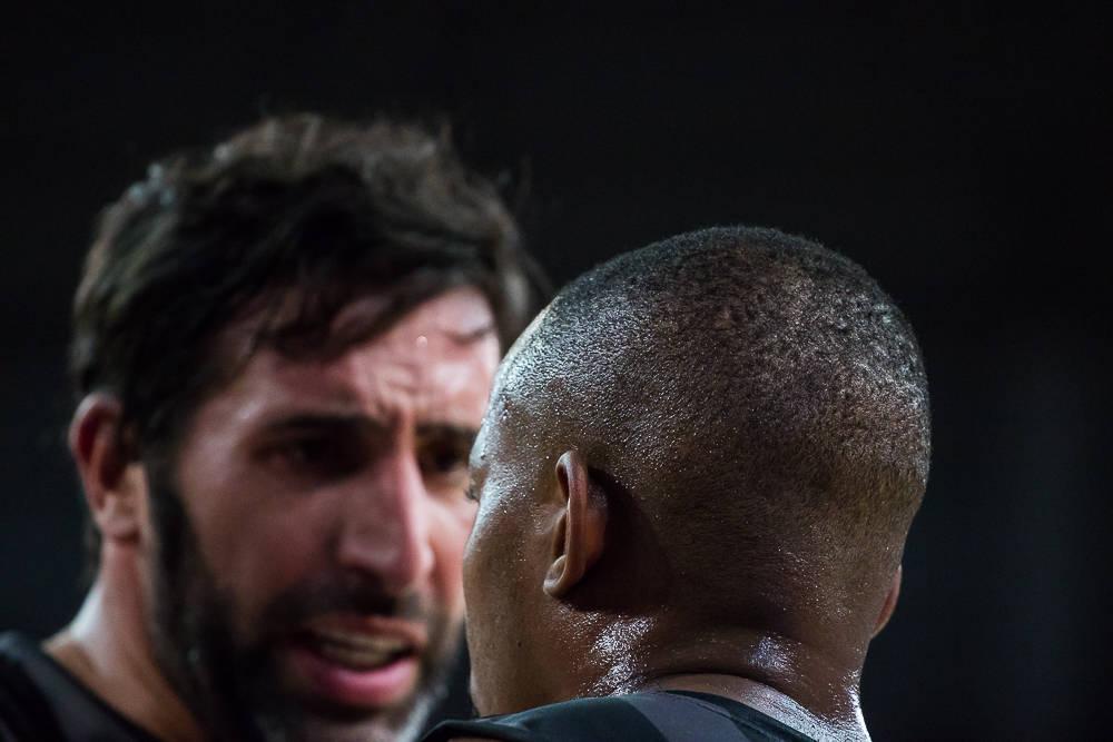 Mumbrú y Tabu conversan (Foto: Luis Fernando Boo).