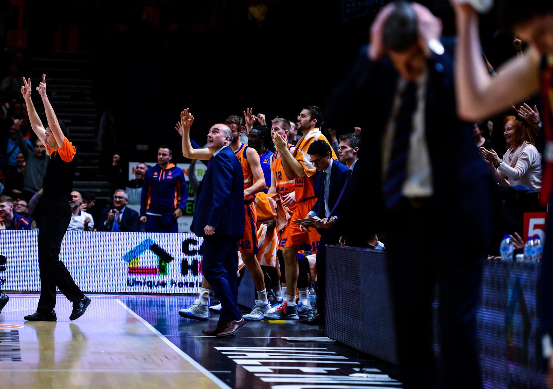 "Valencia Basket ""on fire"". (JM Casares)"