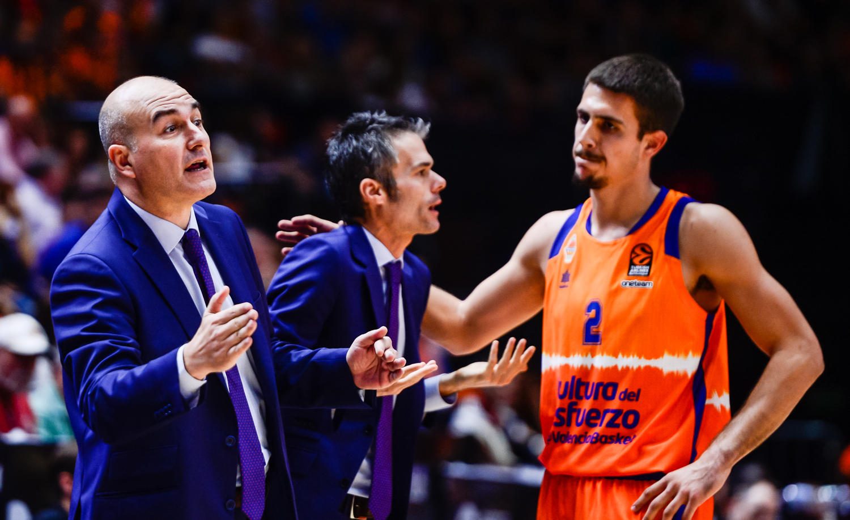 Importante victoria para el banquillo taronja, (JM Casares)