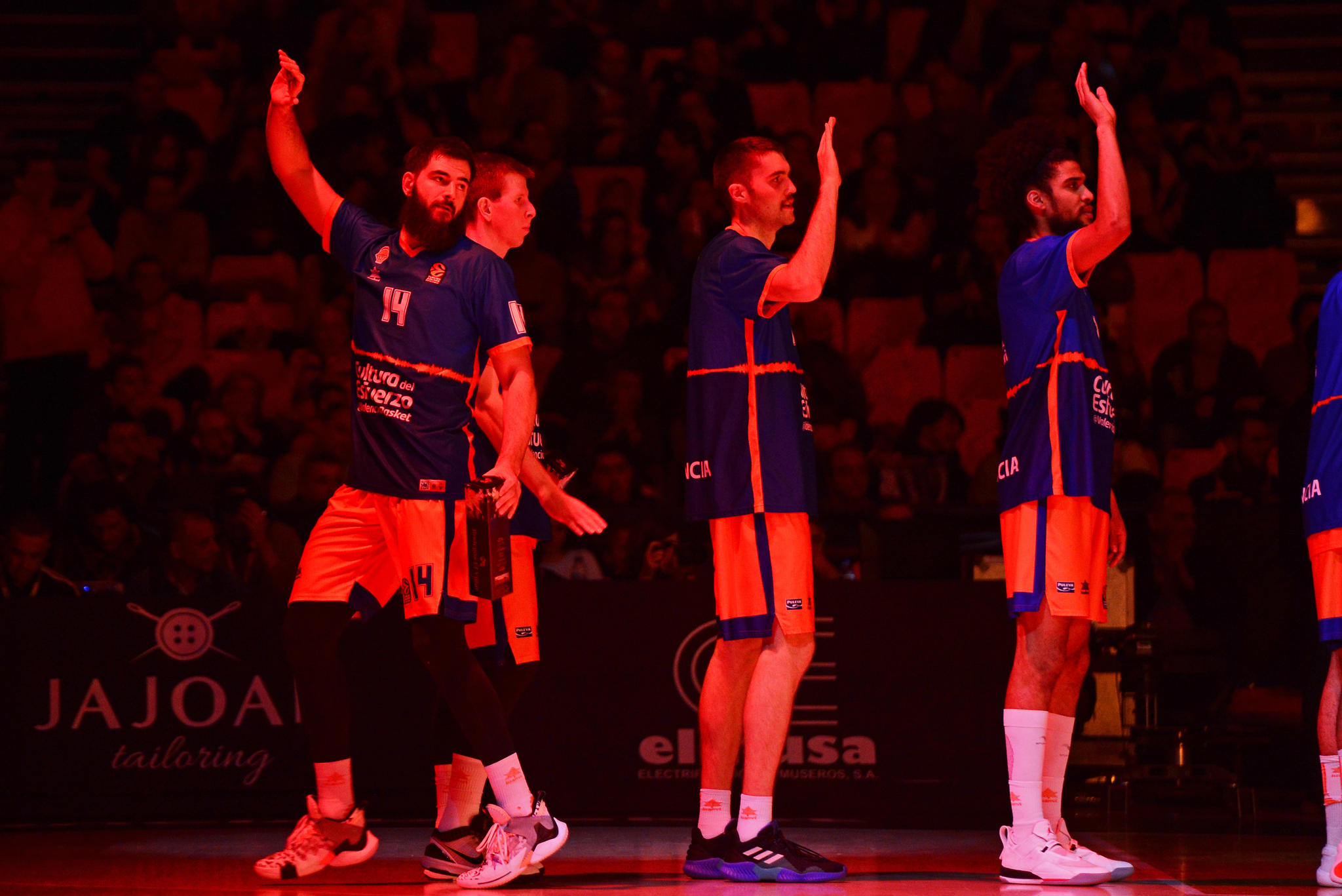 Dubljevic, referencia del Valencia Basket, determinante otra vez en la pintura. (JM Casares)