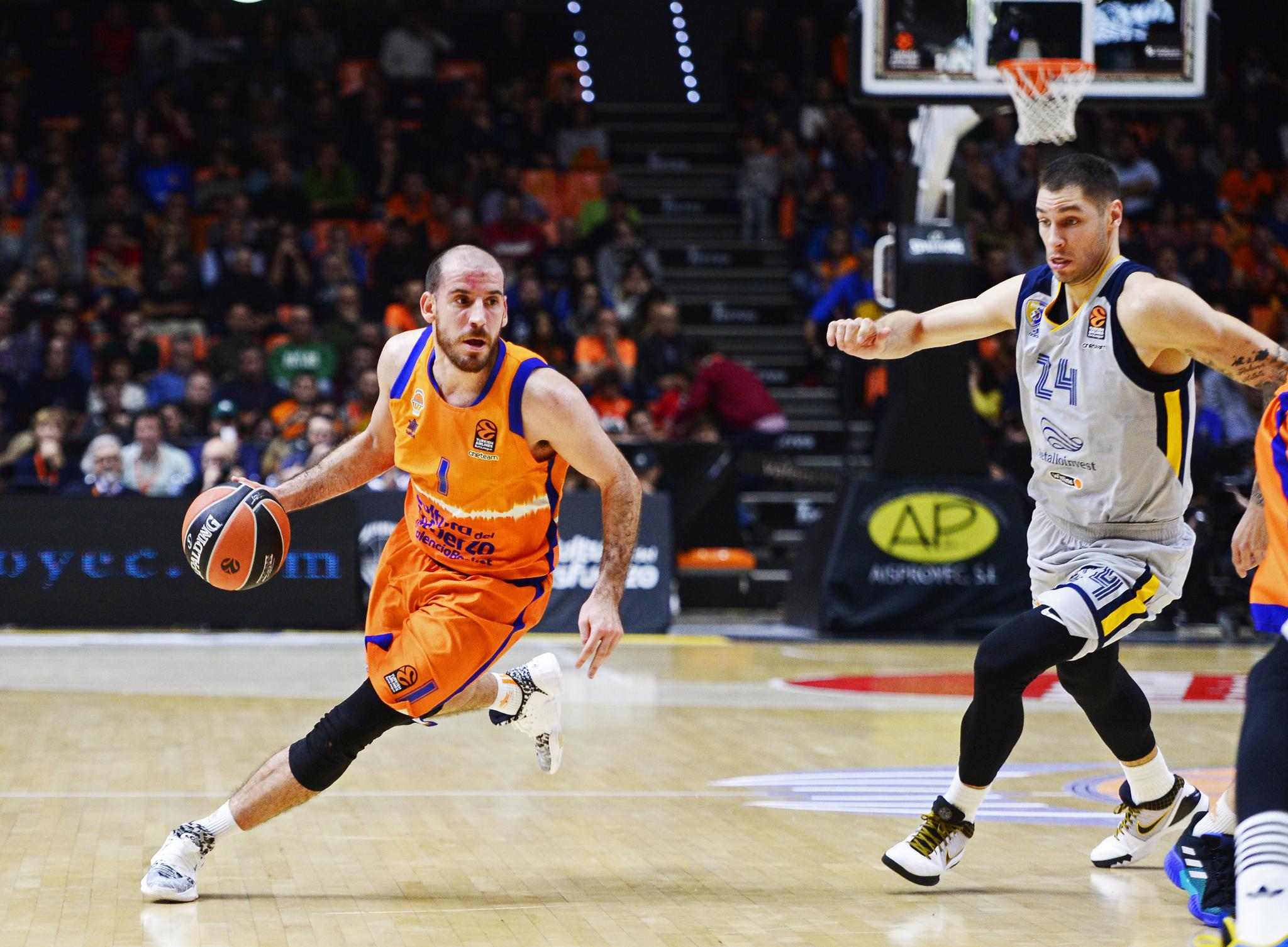 Quino Colom, ya domina las riendas del Valencia Basket. (JM Casares)