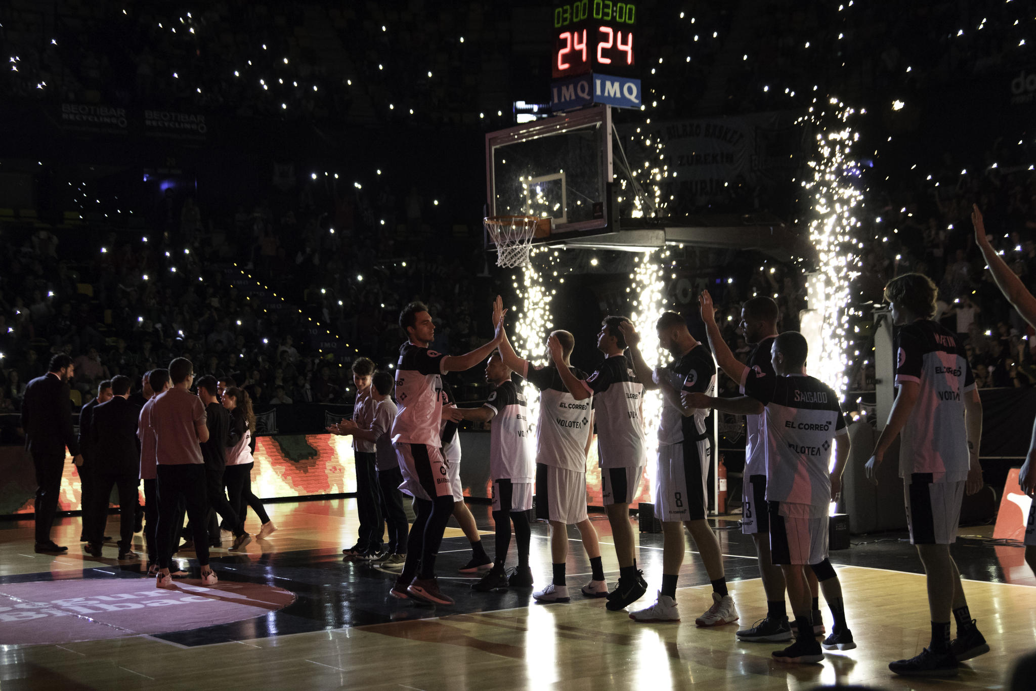 Espectacular presentación del Bilbao Basket | Foto: Luis Fernando Boo.