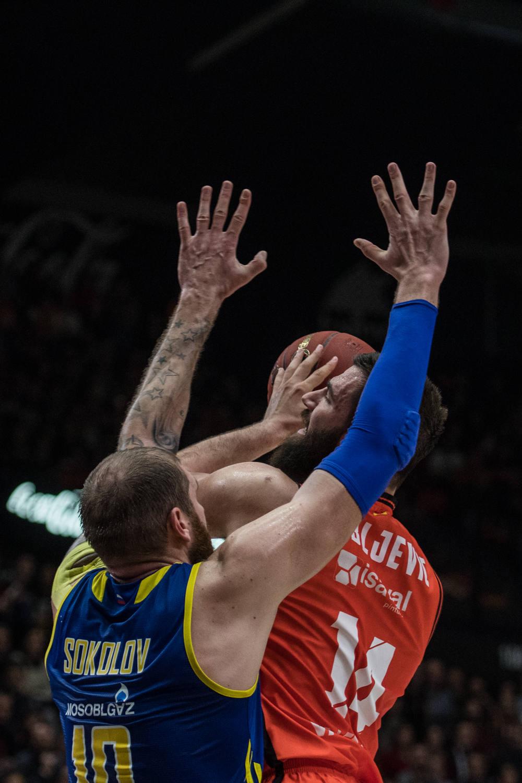 Dubljevic, finaliza ante Sokolov. (JM Casares)