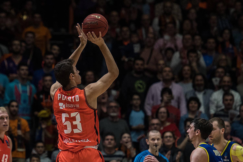 Josep Puerto, disfrutó de segundos en el encuentro. (JM Casares)