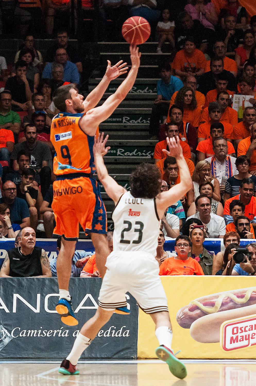 Sam Van Rossom, pilar del Valencia Basket, cuajo un gran partido. (JM Casares)