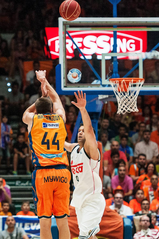 Harangody, punteado por Felipe Reyes. (JM Casares)