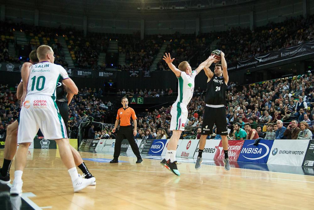 Diaz puntea el lanzamiento de Todorovic (Foto: Luis Fernando Boo).