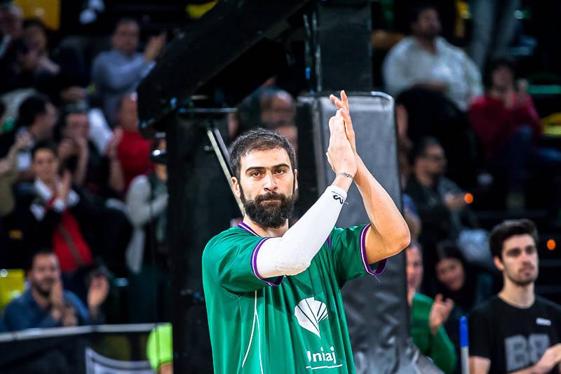 Vasileiadis recibió una ovación en su regreso a Bilbao (Foto: Luis Fernando Boo).