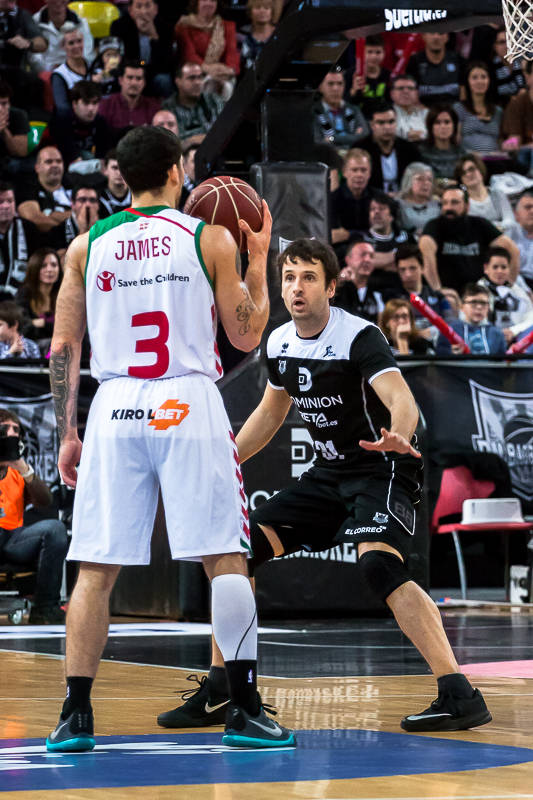 Lopez defiende a James (Foto: Luis Fernando Boo).