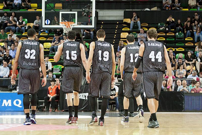 Los hombres de negro (Foto: Luis Fernando Boo).