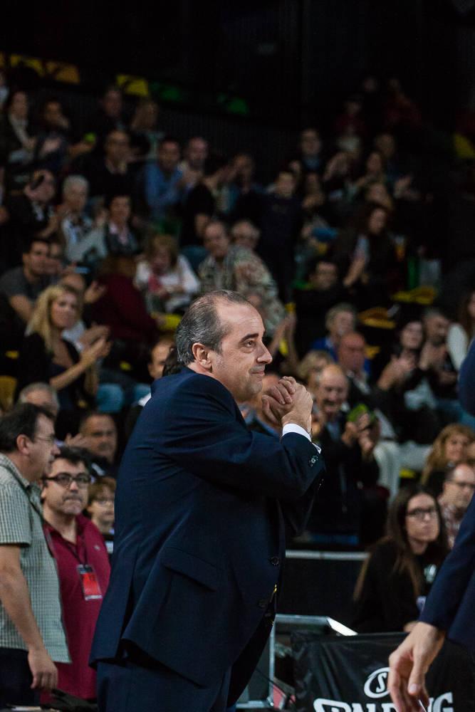 Txus Vidorreta agradace los aplausos del público (Foto: Luis Fernando Boo).