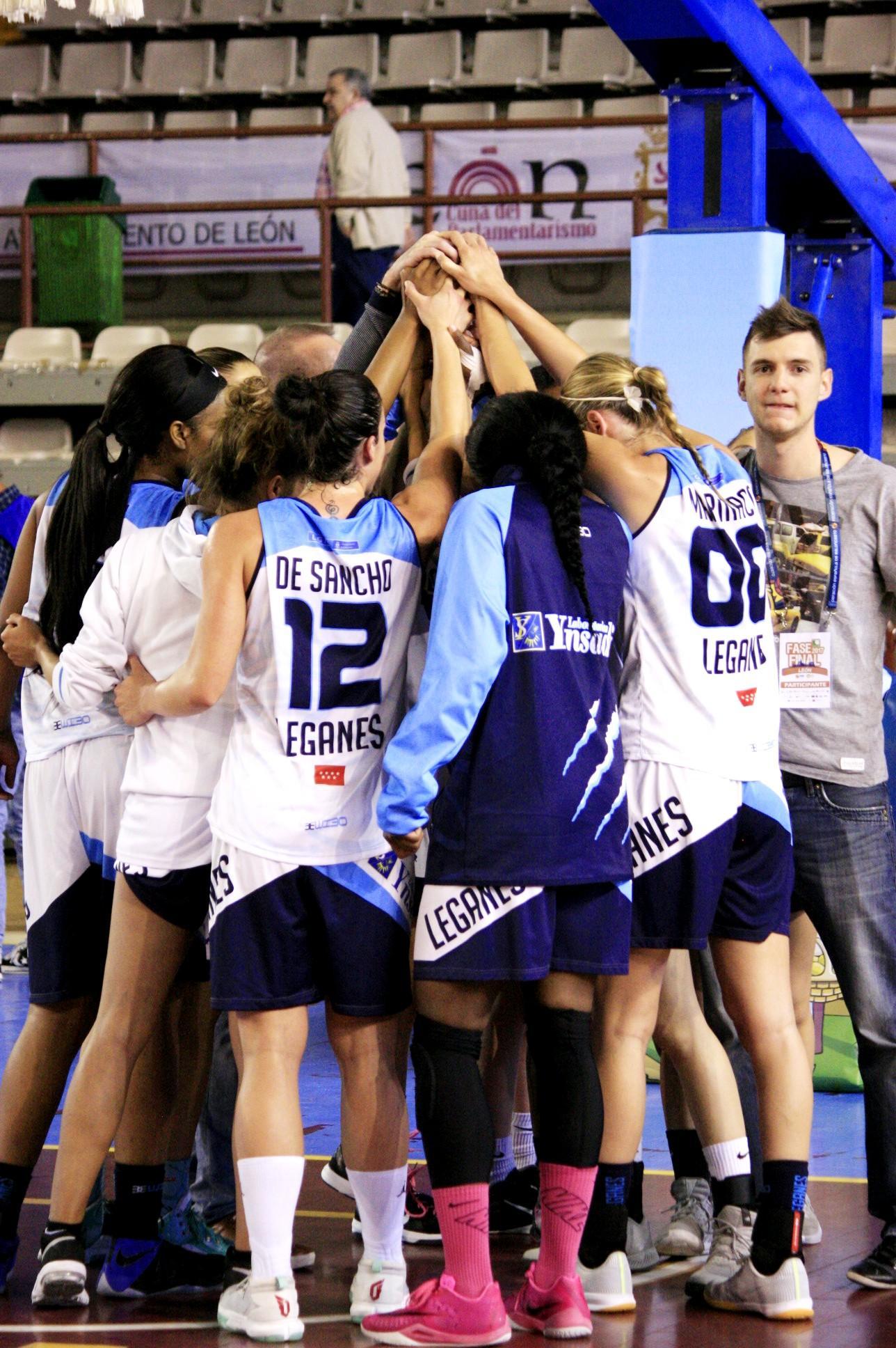 Celebrando la victoria Foto: Lourdes Getino