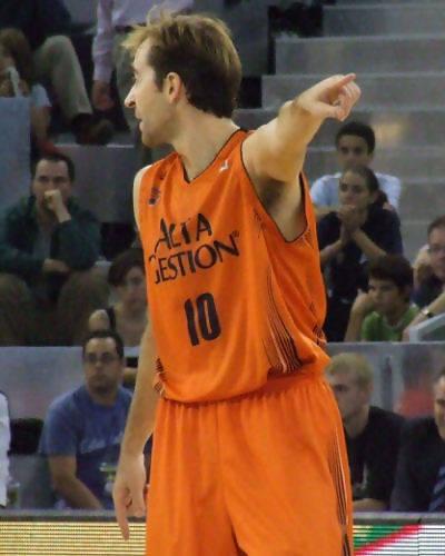 Ferrán manda a su equipo a defender (Foto: Fran Martínez)