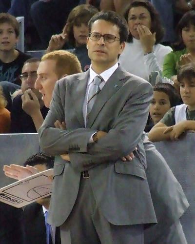Pedro Martínez, atento al juego (Foto: Fran Martínez)