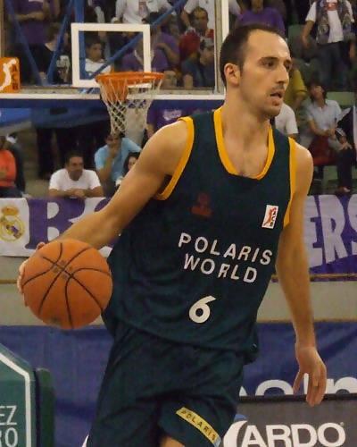Pedro Robles con la pelota (Foto: Fran Martínez)