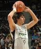 Ricky Rubio controla el juego (foto: José María Benito)