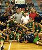 Euskadi posando con la Copa (foto Federación vasca de Baloncesto)