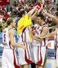 Los jugadores turcos celebran la victoria ante España (Foto FIBA/Castoria)