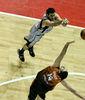 Alex Mumbrú fue fundamental en la victoria de Bizkaia Bilbao Basket (Foto Baskerland)