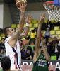 Efes Pilsen está siendo el claro dominador de la TBL. En la imagen, Mario Kasun (Fotos: Efesbasket.org)