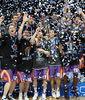 El confeti inundó la celebración (Foto: Lafargue)