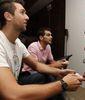 Andrea Bargnani y José Manuel Calderón probando el NBA 2K11