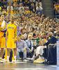 Phil Jackson y el banquillo de Lakers (Foto: Víctor Salgado)