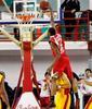 Jarvis Varnado en una acción espectacular contra el Sigma Barcellona.