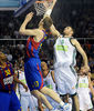 Antonis Fotsis hace falta sobre el intento de tiro de Fran Vazquez. foto: victorsalgado.com