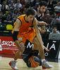 Valters, con problemas para dominar la pelota (Foto: Luis Fernando Boo)