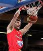 Espectacular mate de Rudy (Foto FIBA Europe/Castoria)