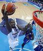 Ibaka anota (Foto FIBA Europe/Castoria)