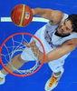 Pau Gasol, poderoso en la pintura (Foto: FIBA Europe / Castoria / Matthaios)